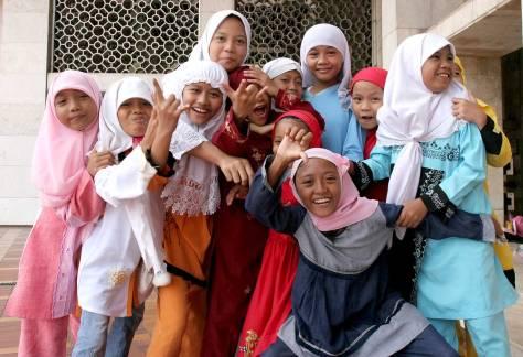 Muslim-girls-Jakarta-Indonesia